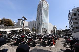 汐入駅自転車等駐車場